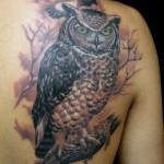 Tatuagem de coruja  - Muitas vezes significa o Anjo da Morte, poderes psíquicos, sabedoria e conhecimento. (Foto: divulgação)
