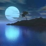 A lua escondida entre as nuvens reflete seu brilho na água (Foto: divulgação)