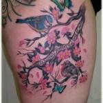Tatuagem com pássaros e borboletas (Foto: divulgação)