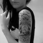 Tattoo de coruja no braço. (Foto: Divulgação)