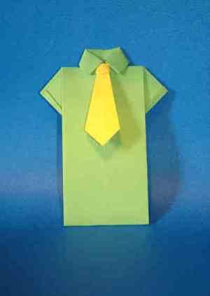 Camisa e gravata feitas de origami para o dia dos pais. (Foto: Divulgação)