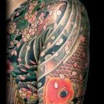 Tatuagem de carpa decendo (objetivos alcançados) (Foto: divulgação)