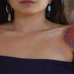 Tatuagem feminina de mandala nos ombros (Foto: divulgação)