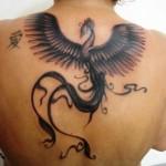 Tatuagem de fênix - A fênix na tatuagem tem um significado muito importante: renascimento (Foto: divulgação)