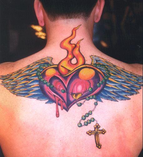 Tatuagem de coração é uma das mais populares em qualquer país pela forte simbologia do desenho (Foto: divulgação)