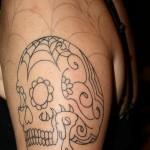 Tatuagem de caveira com teia de aranha (Foto: divulgação)