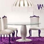 Branco e violeta é uma combinação muito usada na hora de decorar.
