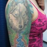 Tatuagem  de meia manga feminina - Lobo (Foto: divulgação)