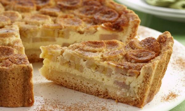 Torta de banana polvilhada com açúcar e canela (Foto: divulgação)