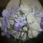 Bolo decorado com flores comestiveis (Foto: divulgação)