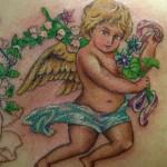 Tatuagem feminina de anjo (Foto: divulgação)
