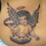 Tatuagem de anjo com auréola (Foto: divulgação)