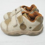 Nem sempre a moda e a beleza são sinônimos de conforto para os pés dos bebês.