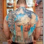 Tatuagem masculina grande nas costas (Foto: divulgação)