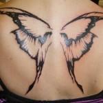 Tatuagem de asas de borboleta grande nas costas (Foto: divulgação)