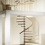 A escada apresenta um desenho elegante que contribui com a decoração. (Foto:Divulgação)