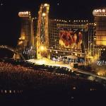 """Rolling Stones no show """"Voodoo Lounge"""", no Estádio do Pacaembu, em São Paulo, no ano de 1995 (Foto: divulgação)"""