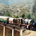 O trem bala do Paquistão , liga Giglit a Chital passa no meio do Himalaia (Foto: divulgação0