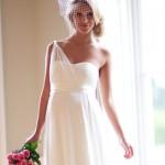 Vestido de noiva de um ombro só (Foto: divulgação)