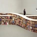 Estante de livro estilo simbolo do infinito (Foto: divulgação)