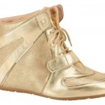Sneaker perfeito para quem gosta de dourado. (Foto:Divulgação)