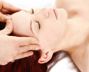 O método do peeling inclui massagem (Foto: Divulgação)