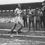 """Paavo Nurmi é um dos principais atletas dos primeiros jogos olímpicos da era moderna. Foram 12 medalhas no total, e ele era conhecido como o """"Homem Relógio"""".(Foto: Divulgação)"""
