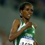 Derartu Tulu, atleta etíope, foi a primeira mulher africana a ganhar uma medalha de ouro olímpica. O feito aconteceu em Barcelona, 1992.(Foto: Divulgação)