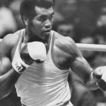 O boxeador cubano Teófilo Stevenson, tricampeão olímpico, recusou o dinheiro norte-americano para se profissionalizar, mantendo-se como amador até a sua aposentadoria.(Foto: Divulgação)