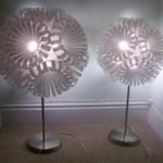 Luminária feita com garrafas de refrigerante (Foto: divulgação)