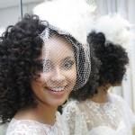 Acessório para noivas com cabelo afro (Foto: divulgação)