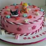 Criativo: Polly sobre o bolo (Foto: divulgação)