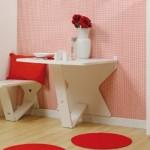 Aberta ou fechada, a mesa se torna um elemento charmoso na decoração.  (Foto:Divulgação)