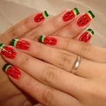 Unhas inspiradas na melancia. (Foto:Divulgação)