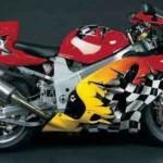 Moto tunada inspirada nas corridas (Foto: Divulgação)