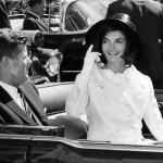 Jacqueline Kennedy Onassis é considerada a primeira dama mais famosa de todos os tempos. Casada com John Kennedy, ela se tornou símbolo de uma época de muita elegância. (Foto: Divulgação)