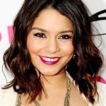A maquiagem carregada de Vanessa Hudgens fez com que ela parecesse ter muito mais que seus 22 anos. (Foto: divulgação)