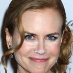 Nicole Kidman se esqueceu de retirar o excesso de pó iluminador. (Foto: divulgação)