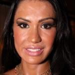 """O """"efeito make derretido"""" de Gracyanne barbosa é resultado de maquiagem demais com muito suor. (Foto: divulgação)"""