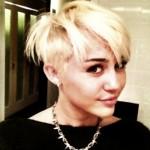 Miley Cyrus radicalizou o visual. (Foto:Divulgação)
