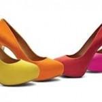 Os scapins aparecem em cores amarelo, rosa, vermelho e laranja e prometem muito sucesso (Foto: divulgação).