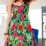 Vestido soltinho com estampa floral. (Foto:Divulgação)