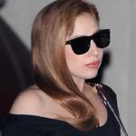 Lady Gaga escureceu os cabelos. (Foto:Divulgação)