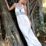 A noiva de praia deve adotar um vestido leve e claro. (Foto:Divulgação)