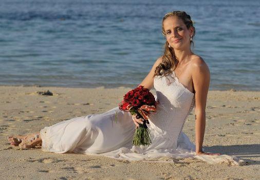 A praia concentra charme, natureza e romantismo, itens perfeitos para casar. (Foto:Divulgação)