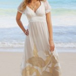 Vestido simples e perfeito para a atmosfera da praia. (Foto:Divulgação)