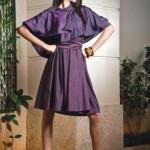 Uma madrinha moderninha pode apostar no vestido curto. (Foto:Divulgação)