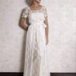 O traje vintage é perfeito para exaltar a inocência da noiva. (Foto:Divulgação)