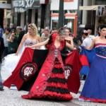 Os vestidos inspirados em times de futebol representam uma nova tendência para casamento. (Foto:Divulgação)