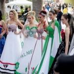Modelos usando os vestidos de noiva de times de futebol. (Foto:Divulgação)